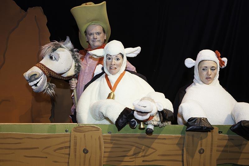 good-bad-sheep-04-face2face-teatro-ingles