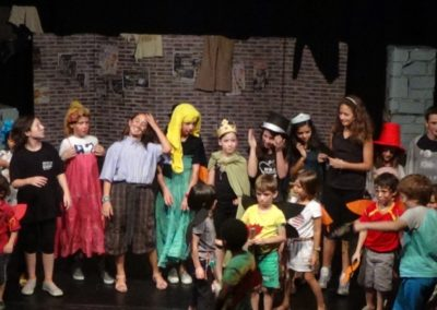 obra de teatro en ingles summer camp face 2 face